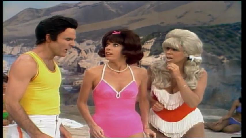 The Carol Burnett Show: S11 E21 - Steve Martin, Betty White